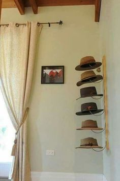 Storage Solutions for Accessories, Home Storage and Organization Tips Cute Hat Organization--I need to do something like this. MoreCute Hat Organization--I need to do something like this. Wall Hat Racks, Diy Hat Rack, Baseball Hat Racks, Baseball Display, Baseball Cap, Cowboy Hat Rack, Cowboy Hats, Hat Storage, Home Organization