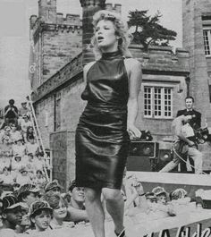 Lovely Ladies in Leather: Kim Wilde