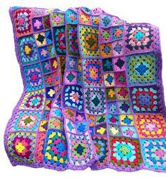 ☼☼☼☼☼☼☼☼☼☼ BEREIT, SCHIFF ☼☼☼☼☼☼☼☼☼☼  Ich diese afghanische mit zwei verschiedenen große Oma Quadrate gehäkelt und trat dann in die Quadrate mit einzelnen Häkelstiche die Quadrate ein gerahmte aussehen. Das Fügeverfahren Garn und Grenze Farbe Garn ist Lavendel.  Afghan ist mit 100 % Acryl Garn aus und misst ca. 52 Zoll x 52 Zoll (132 x 132 cm). Es gibt mehr als 38 Farben und jedes Quadrat ist anders.  Diese Afghan ist abgeschlossen und versandbereit.  ****************** © 2017 häkeln…