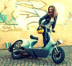 All things Lambretta & Vespa Vespa Motorcycle, Lambretta Scooter, Vespa Scooters, Vespa 50, Vespa Girl, Scooter Girl, Lady Biker, Biker Girl, Ducati