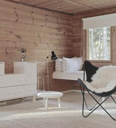 my scandinavian home: An idyllic Finnish cottage with an outdoor summer kitchen Log Home Interiors, Wood Interiors, Cottage Interiors, Nat Et Nature, Summer Cabins, Summer Kitchen, Kitchen Time, Cottage Design, Scandinavian Home