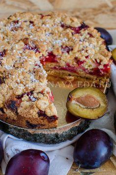 «Тройной» сливовый пирог. Пирог назван «тройным», потому что в его приготовлении используется сразу три вида теста.   http://volshebnaya-eda.ru/category/kollekcia-receptov/vypechka/
