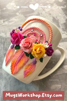 Polymer Clay Flowers, Polymer Clay Crafts, Diy Clay, Polymer Clay Earrings, Clay Pen, Gift Mugs, Valentines Mugs, Clay Mugs, Easy Paper Crafts