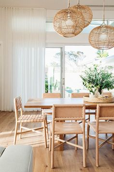Get inspired by these dining room decor ideas! From dining room furniture ideas, dining room lighting inspirations and the best dining room decor inspirations, you'll find everything here! Dining Room Inspiration, Home Decor Inspiration, Decor Ideas, Dining Room Design, Dining Room Furniture, Room Chairs, Home Renovation, Home Remodeling, Suites