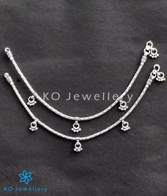 Handcrafted sterling silver anklets with an intricate design this pair has been oxidised . Payal Designs Silver, Silver Anklets Designs, Silver Payal, Anklet Designs, Gold Bangles Design, Silver Bangles, Gold Designs, Indian Jewelry Sets, Silver Jewellery Indian