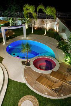 Navegue por fotos de Piscinas modernas: Casa Tripoli. Veja fotos com as melhores ideias e inspirações para criar uma casa perfeita.