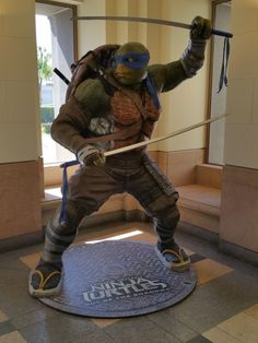 While on the Paramount studio lot, we snapped some photos of the Teenage Mutant Ninja Turtles 2 statues for Raphael, Leonardo, Donatello, and Michelangelo. Dope Cartoon Art, Dope Cartoons, Ninja Turtles 2, Teenage Mutant Ninja Turtles, Tortugas Ninja Leonardo, Spiderman Pictures, Tmnt Leo, Leonardo Tmnt, Childhood Tv Shows