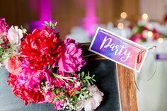 Da wir Teil des Hochzeitsnetzwerkes 'Bergische Hochzeitswelten' sind, waren wir sofort Feuer und Flamme als es um das Hochzeitsdesign für das nächste...