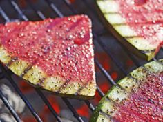 Grilled watermelon, who knew? These easy grilling ideas will be unexpected hits at your summer barbecues.< Not sure if I'm daring enough to grill my fruit, but as long as it's possible and good. Grilled Watermelon, Grilled Fruit, Grilled Vegetables, Fruits And Veggies, Watermelon Cake, Grilling Recipes, Cooking Recipes, Healthy Recipes, Grilling Ideas
