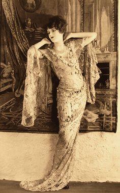 Vintage Fashion by Lee Sutton, via Flickr