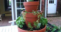 Het weer wordt stilaan beter, hoog tijd om onze tuin op te fleuren. Wat dacht je van deze hippe kruidentoren?