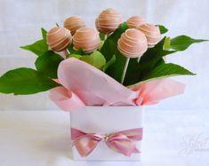 ELEGANT ORGANIC Cake Pops Floral Arrangement by StyledGorgeous