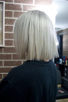 Ice white ashy blonde bob with straight blunt ends hair inspo. Ice white ashy blonde bob with straig Blonde Blunt Bob, Ashy Blonde Hair, Platinum Blonde Bobs, White Blonde Bob, Blonde Bob Hairstyles, Bob Hairstyles For Fine Hair, Hair Inspo, Hair Inspiration, Shortish Hair