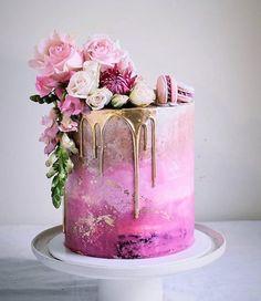 20 besten Hochzeitstorte Ideen 2019 – Hochzeit – Cake … … – Wedding Cakes With Cupcakes Beautiful Birthday Cakes, Gorgeous Cakes, Pretty Cakes, Amazing Cakes, Elegant Birthday Cakes, Elegant Cakes, Pink Ombre Cake, Pink Gold Cake, Purple Ombre