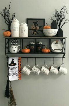 Diy Halloween Decorations - For the Home - Halloween Dekoration Party, Diy Halloween Party, Casa Halloween, Looks Halloween, Cheap Halloween Decorations, Holidays Halloween, Halloween Crafts, Halloween Kitchen Decor, Halloween Decorations Apartment