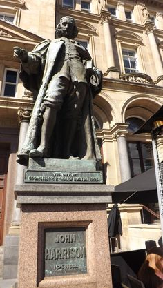 statue of John Harrison,Leeds town