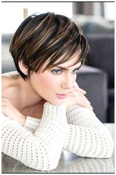 Short Hair With Layers, Short Hair Cuts For Women, Short Hairstyles For Women, Medium Hairstyles, Hairstyle Short, Layered Hairstyles, Short Cuts, Everyday Hairstyles, Hairstyle Ideas