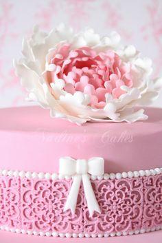 Caroline's Cake Company: I like...Nadine's Cakes and Cakes by Tess!