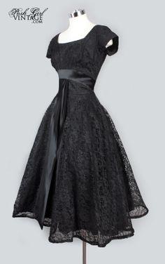 Petite robe noire vintage - incontournable