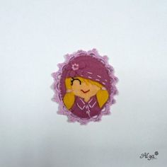 Brooche girl /Brož Blondýnka v kabátku