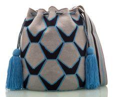 Marvelous Crochet A Shell Stitch Purse Bag Ideas. Wonderful Crochet A Shell Stitch Purse Bag Ideas. Learn To Crochet, Diy Crochet, Crochet Hooks, Crochet Bags, Tapestry Bag, Tapestry Crochet, Beginner Crochet Projects, Crochet For Beginners, Crochet Shell Stitch