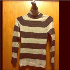Black & Gray turtleneck Very warm and cozy sweater. Very good condition. Fits well sizes small and medium Urban behaviour Sweaters Cowl & Turtlenecks