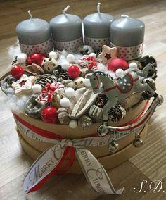 Grey red Christmas Advent Wreath, Handmade Christmas Decorations, Christmas Candles, Christmas Centerpieces, Xmas Ornaments, Winter Christmas, Christmas Time, Christmas Crafts, Christmas Accessories