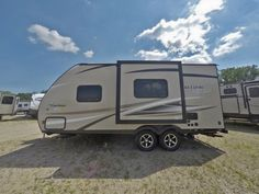 Find the New 2017 Freedom Express 192RBS Travel Trailer at Gillette's Interstate RV. Ask for VIN# 025323.3599 We ship to the continental U.S. and Canada.