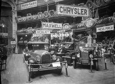 1º Salão Automóvel realizado no Coliseu dos Recreios em Lisboa, 1925. Fotógrafo: Mário Novais, 1899-1967. Data de produção da fotografia original: 1925.  [CFT003 101905.ic]