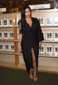 Kim at her Selfish book signing in LA - May 7, 2015