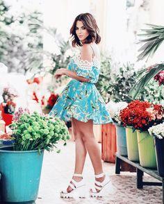 De volta para casa para minha linda família e minha rotina!  Obrigada pela linda semana Deus! Que o nosso domingo seja abençoado e com muitaaaaa alegria! Para inspirar esse dia lindo um look da nova campanha de verão @amarellowmodas !  ameeeeei tanto essa foto esse vestido!  #rafinhagadelha #ootd #look ph: @igoormelo / make @giuliannaoliter / styling @viniciusnepomuceno