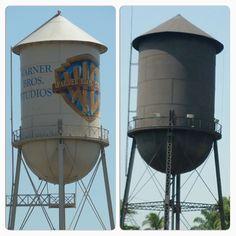 As caixas d'água de Porto Velho, Rondônia, Brasil vieram dos Estados Unidos no início do século passado. Vejam a semelhança com a caixa d'água da Wanner Bros Studios.