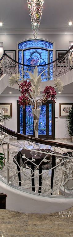 Stunning entryway ️with blue stained glass windows. Beautiful Interiors, Beautiful Homes, Decoration Entree, Banisters, Stained Glass Windows, Luxury Living, Stairways, My Dream Home, Dream Homes