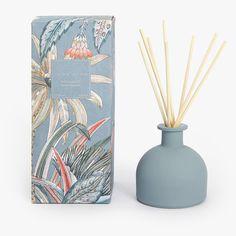 Ambientador en Sticks Wild Bamboo Zara Home Perfume Glamour, Perfume Hermes, Perfume Versace, Candle Packaging, Soap Packaging, Cosmetic Packaging, Packaging Design, Perfume Lady Million, Diffuser