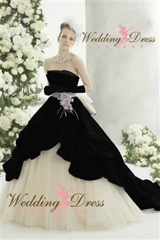 Black and White Wedding Dress from WeddingDressFantasy.com