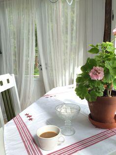 Hyvää huomenta, Good Morning Childhood Memories, Good Morning, Curtains, Home Decor, Buen Dia, Blinds, Decoration Home, Bonjour, Room Decor