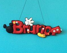 Nome em feltro Bruno Felt Name Banner, Name Banners, Felt Wreath, Felt Garland, Felt Crafts, Diy And Crafts, Diy Christmas Wedding, Baby Sensory Play, Disney Crafts