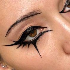 Makeup Eye Looks, Eye Makeup Art, Halloween Makeup Looks, No Eyeliner Makeup, Eyeliner Ideas, Halloween Nails, Halloween Horror, Easy Halloween, Cat Face Makeup