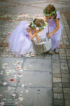 flower wreaths#event planning#decor flowers Flower Wreaths, Event Planning, Wedding Events, Wedding Cakes, Wedding Invitations, Reception, Tulle, Flowers, Photography