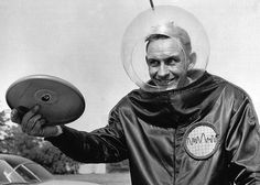 Walter Frederick Morrison: The Inventor Of The Frisbee. #inventors #frisbee