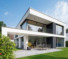 Op deze manier beschermen je ramen en deuren je tegen diefstal. Foto: www.schueco.be (modern • nieuwbouw • crépi • beveiliging)