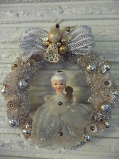 Sweet Vintage Christmas Small Bottle Brush Wreath w Ceramic Head Angel w Netting
