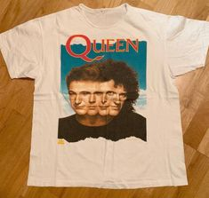QUEEN Vintage TSHIRT Vintage Band T Shirts, Band Shirts, Cut Shirts, Vintage Shirts, Band Merch, Queen Band Shirt, Outfit Vintage, Band Outfits, Queen Outfit