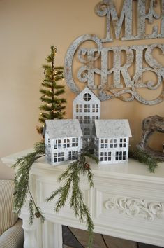 French Country Christmas, Country Christmas Decorations, Cottage Christmas, Farmhouse Christmas Decor, Xmas Decorations, Christmas Home, White Christmas, Christmas Trees, Christmas Villages