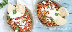 Dit pannetje met Griekse invloeden is een ideale doordeweekse maaltijd
