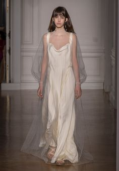 VALENTINO Haute Couture Spring/Summer 2017 Women - Look 13 of 59