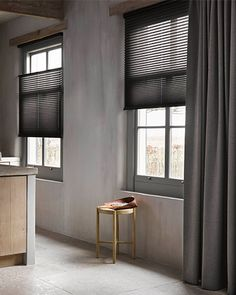 Black Curtains, Home Curtains, Curtains With Blinds, Home Living Room, Living Room Designs, Living Room Decor, Honeycomb Shades, Bedroom Closet Design, Home Board