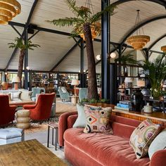 Soho Farmhouse has a number of spaces for eating and drinking, including Japanese grill Pen Yen, the Main Barn and Hay Barn. Hotel Lobby, Lobby Lounge, Soho Farmhouse Interiors, Living Room Panelling, Hay Barn, Wood Oven, Hotel Concept, Office Lounge, Room Screen