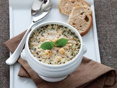 Yoghurt Soup with chickpea, pearled wheat grain, mint and THYA Organic Extra Virgin Olive Oil Easy Cooking, Cooking Recipes, My Favorite Food, Favorite Recipes, Baby Food Recipes, Dinner Recipes, Turkish Kitchen, Mama Recipe, Turkish Recipes