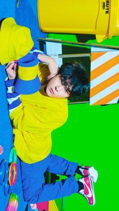 HIGHLIGHT wallpaper ❤ 용준형 . 하이라이트 Yoon Doo Joon, Yong Jun Hyung, Asian Celebrities, Cube Entertainment, Teenage Dream, Mamamoo, Record Producer, Kpop Boy, Boy Groups